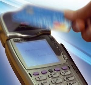 Shoppers 'out of touch with contactless'