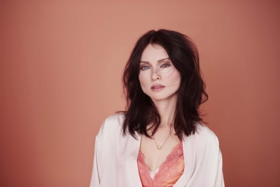 Sophie Ellis-Bextor unveiled as face of Dulux's Colour of the Year
