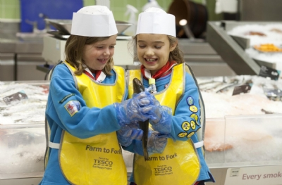 Tesco supports school cooking club network